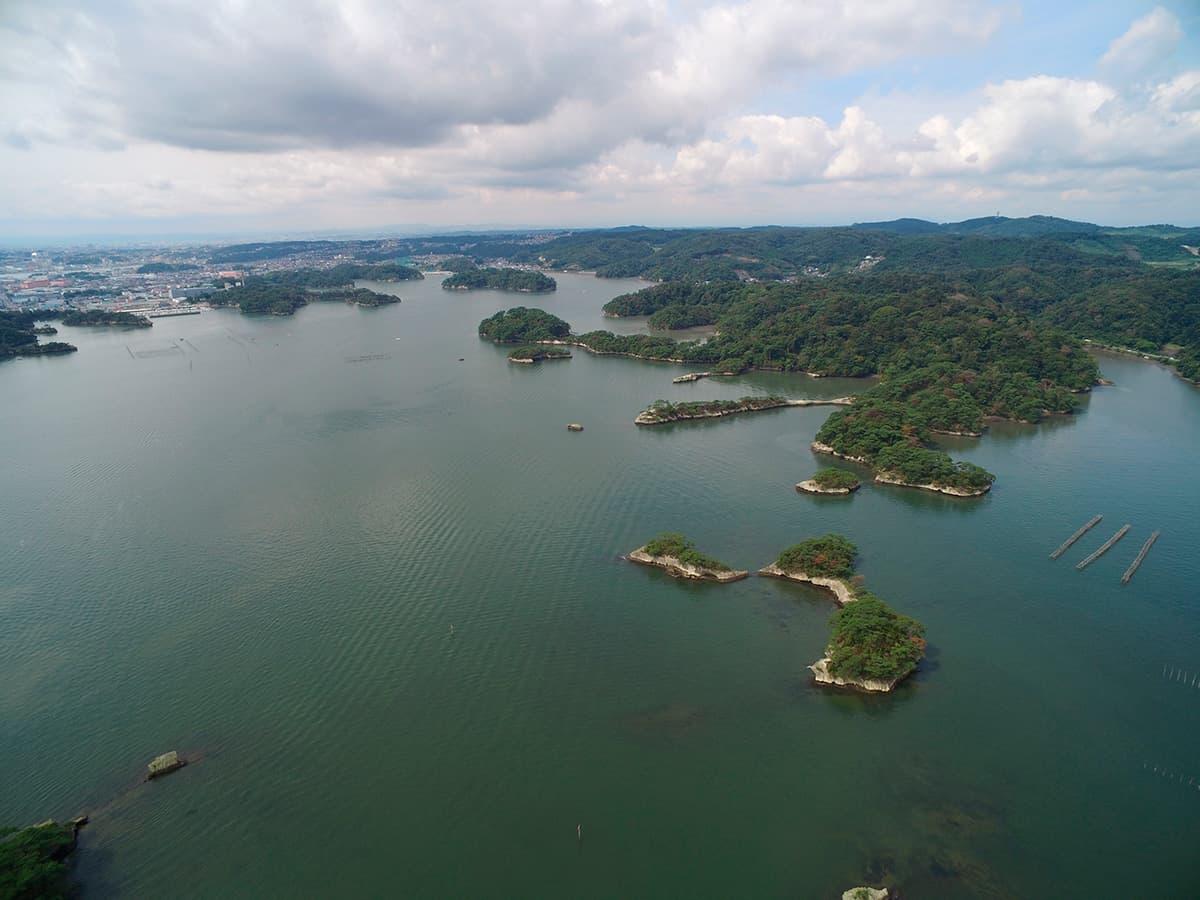 松島湾の上空から撮影